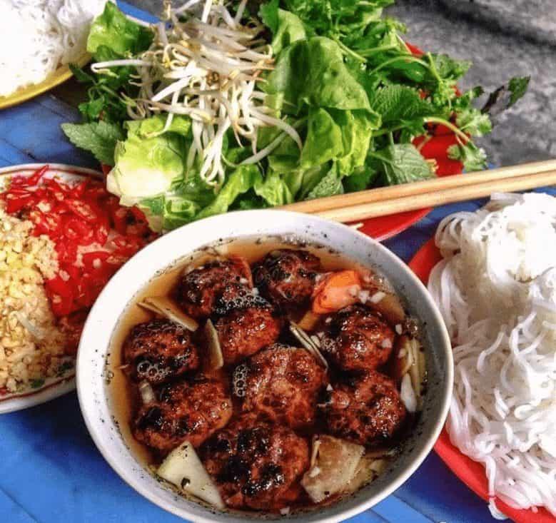 bun cha - Hanoi Street Food Tour