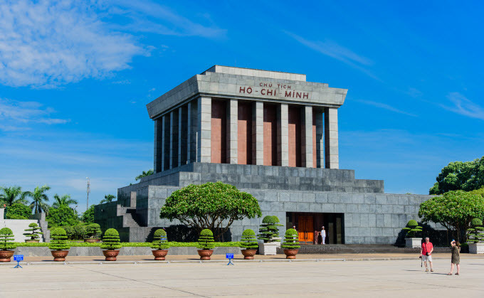 Ho Chi Minh mausoleum - 3 days in hanoi and halong