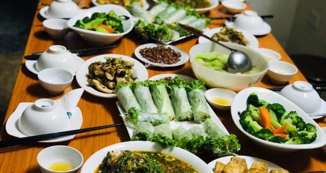 Dinner with a local family (Hanoi-an family) - hanoi food